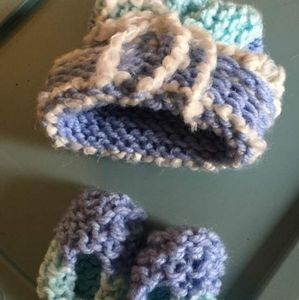 Nb Handmade Hat and Booties